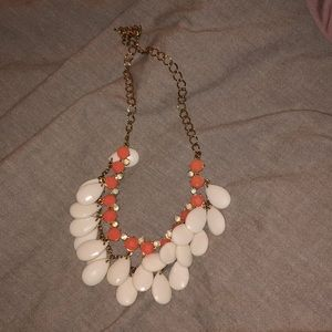 Very cute, light necklace
